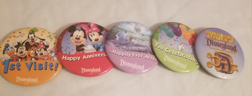 Free Disney buttons from Disneyland